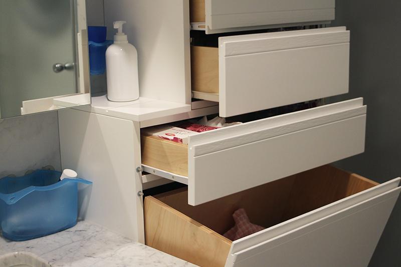 Portabiancheria e cassetti per mobili bagno [img src=http://www ...