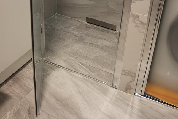 Ristrutturazione appartamento milano progetti di interni for Doccia bagno piccolo