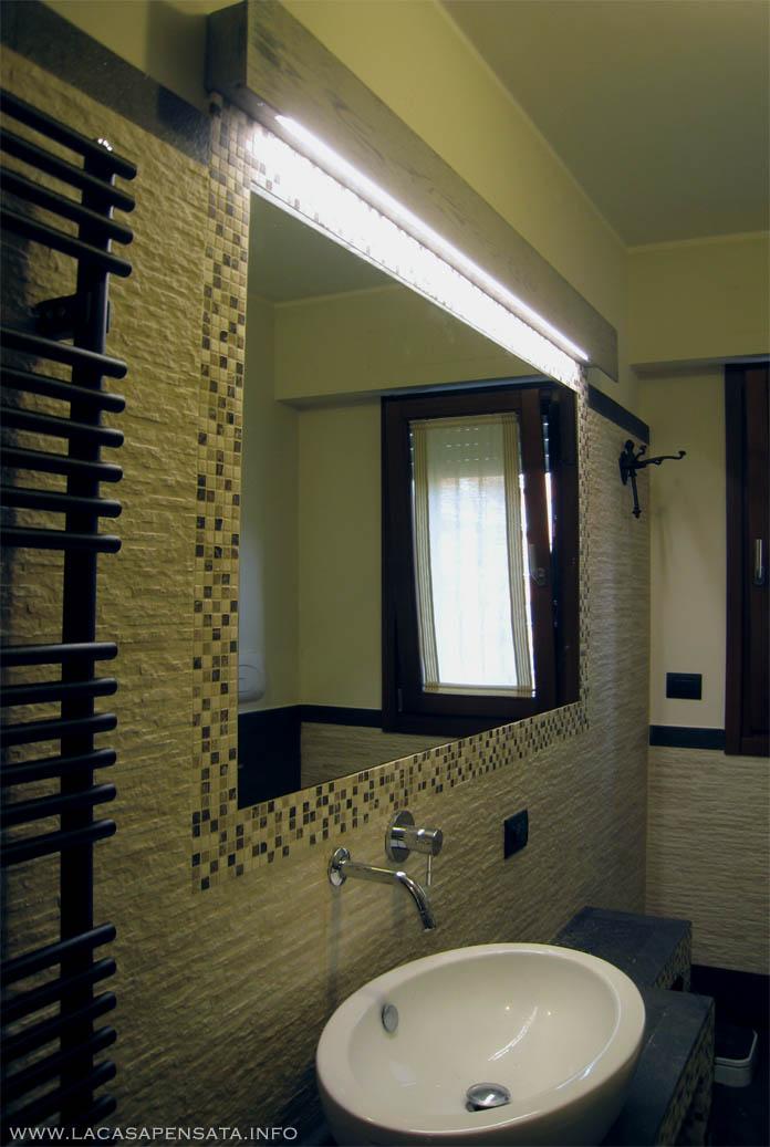 Lampada per bagno specchio da incasso ristrutturazione bagni low progetti di interni - Luci bagno specchio ...