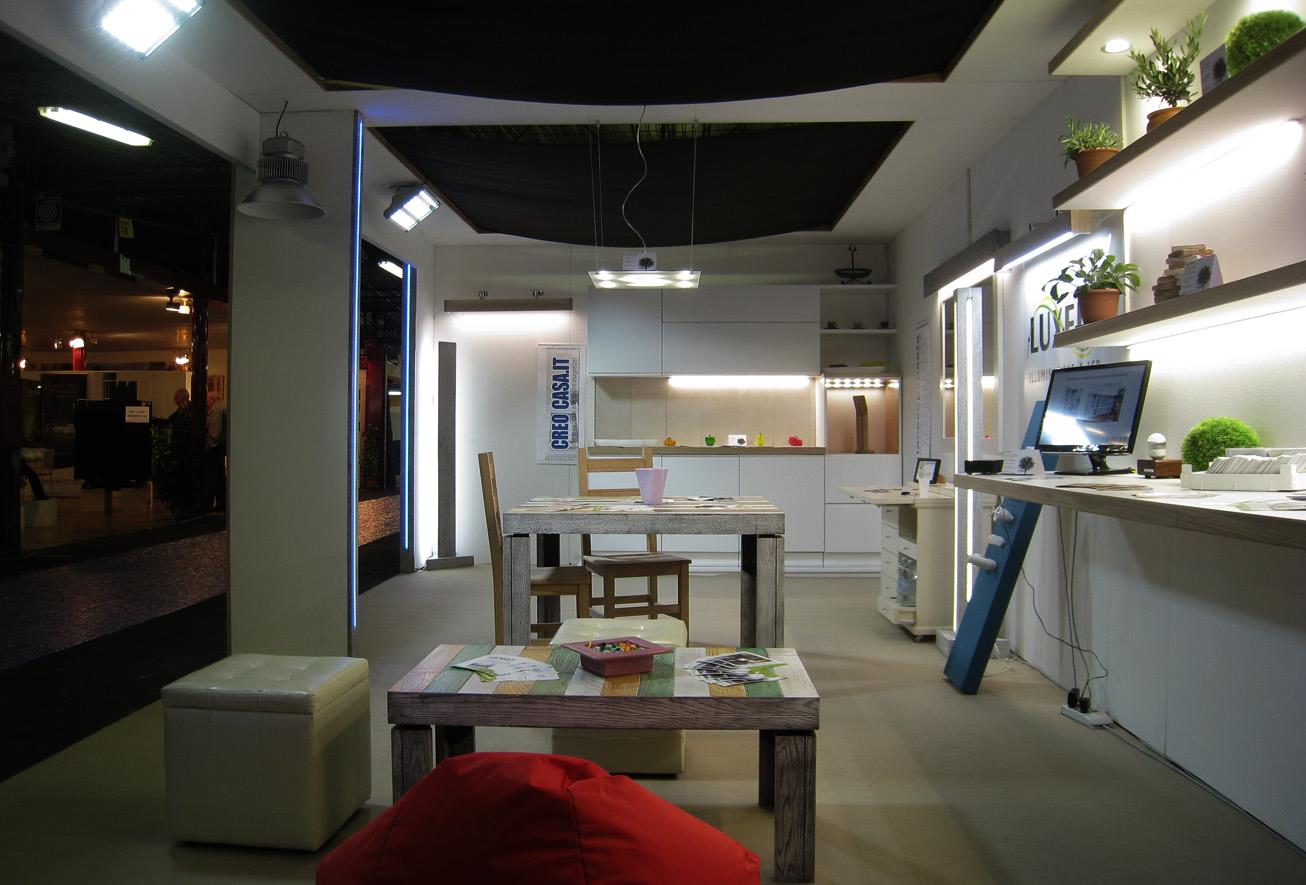Stand fiera artigianato progetti di interni for Arredamento per fiere