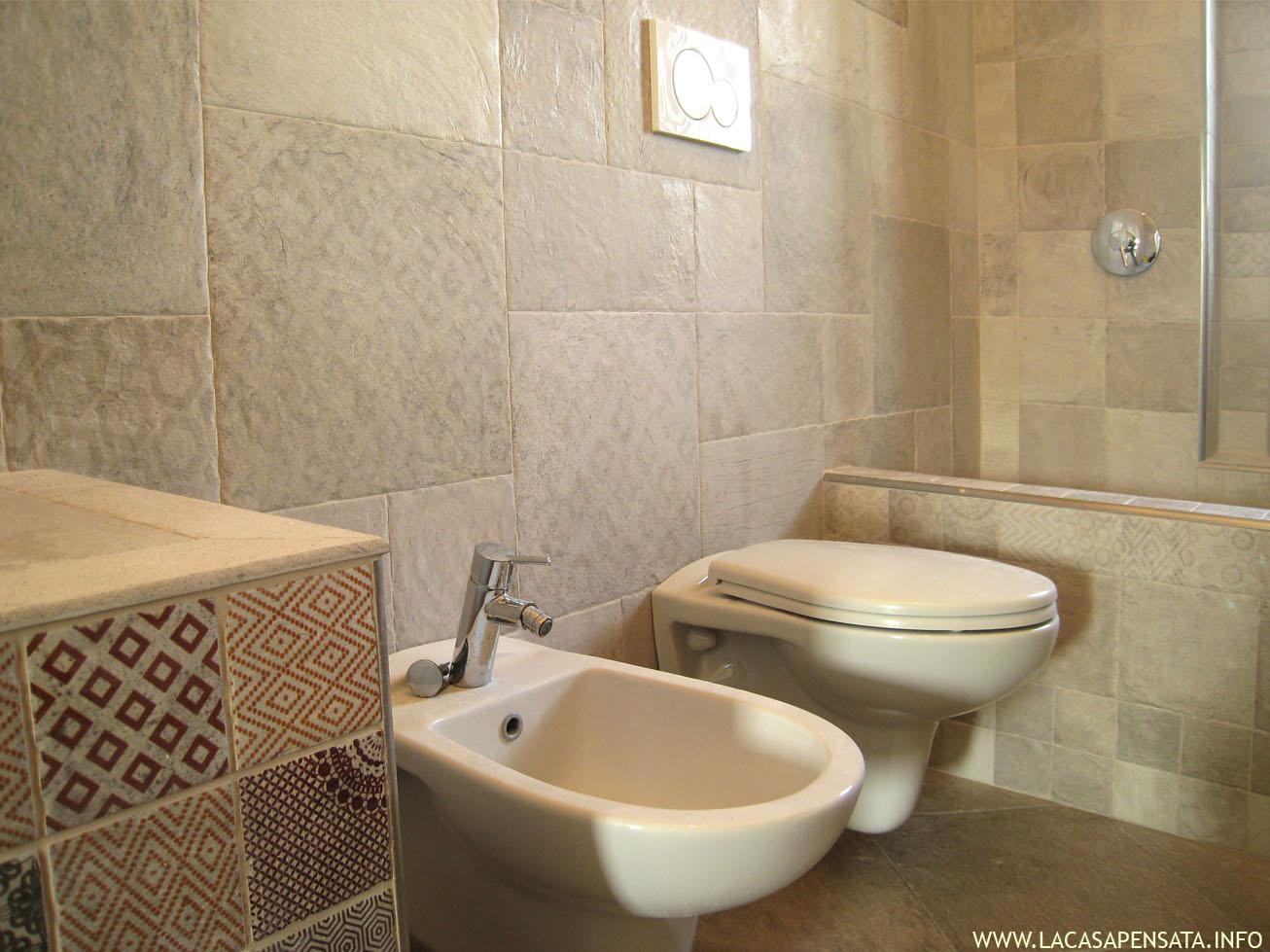 Piastrelle bagno con scritte con stunning decori piastrelle bagno
