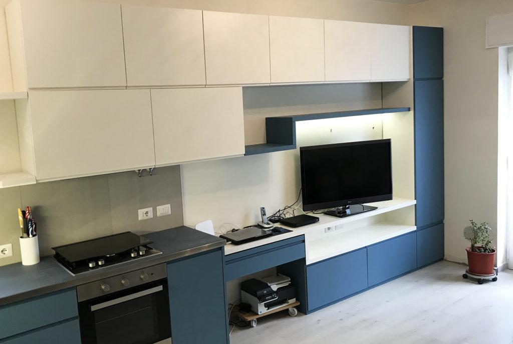 cucina su misura parete attrezzata