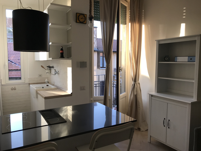 cucina con isola piccola